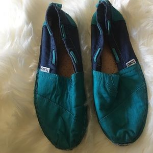 TOMS teal/blue color used espadrilles